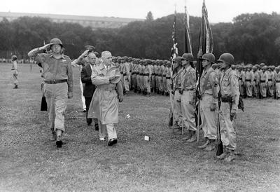 (73-2234) Truman with Nisei soldiers (3)